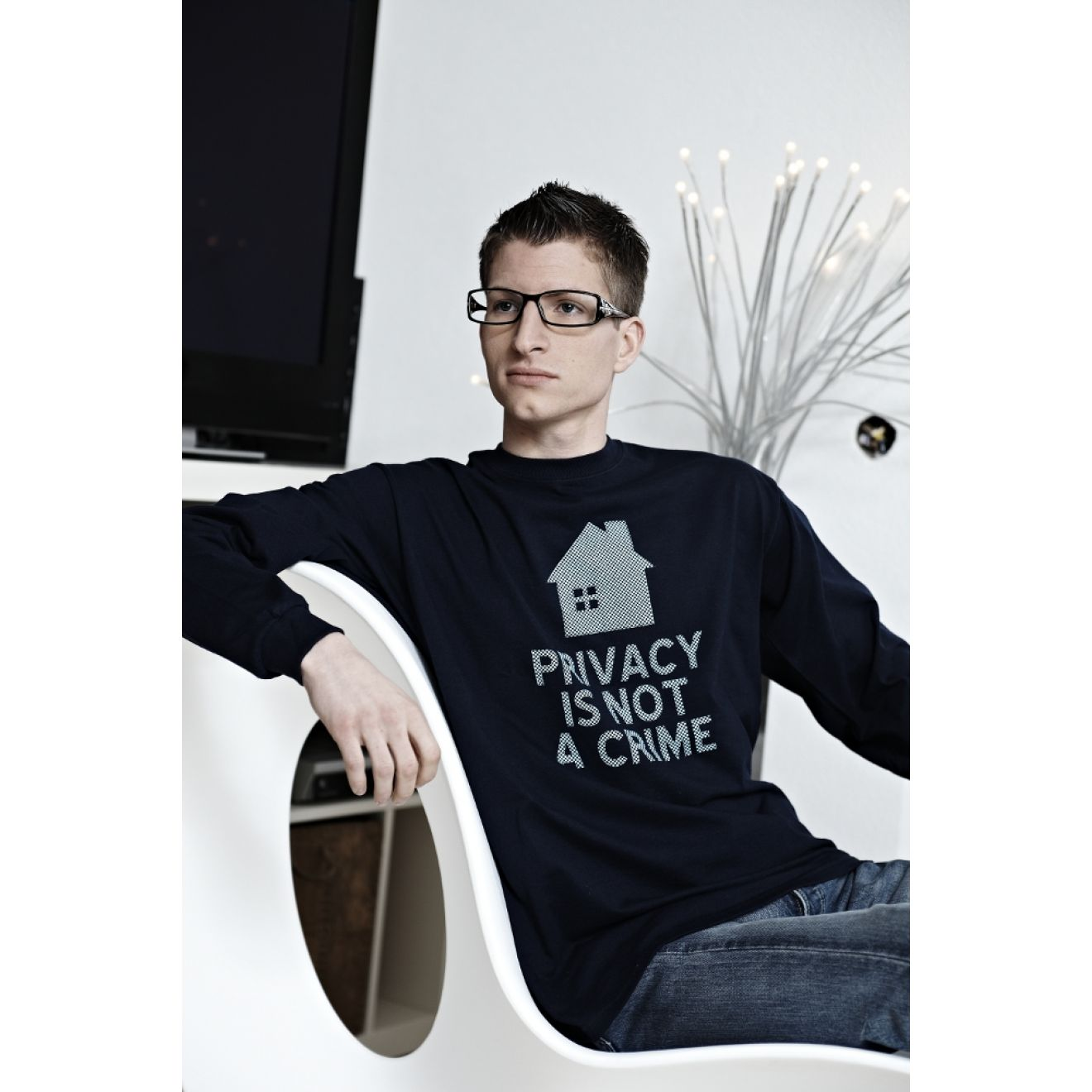 T-Shirt: Privacy is not a Crime (Langarm)